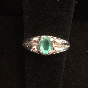 Genuine Emerald Ring !
